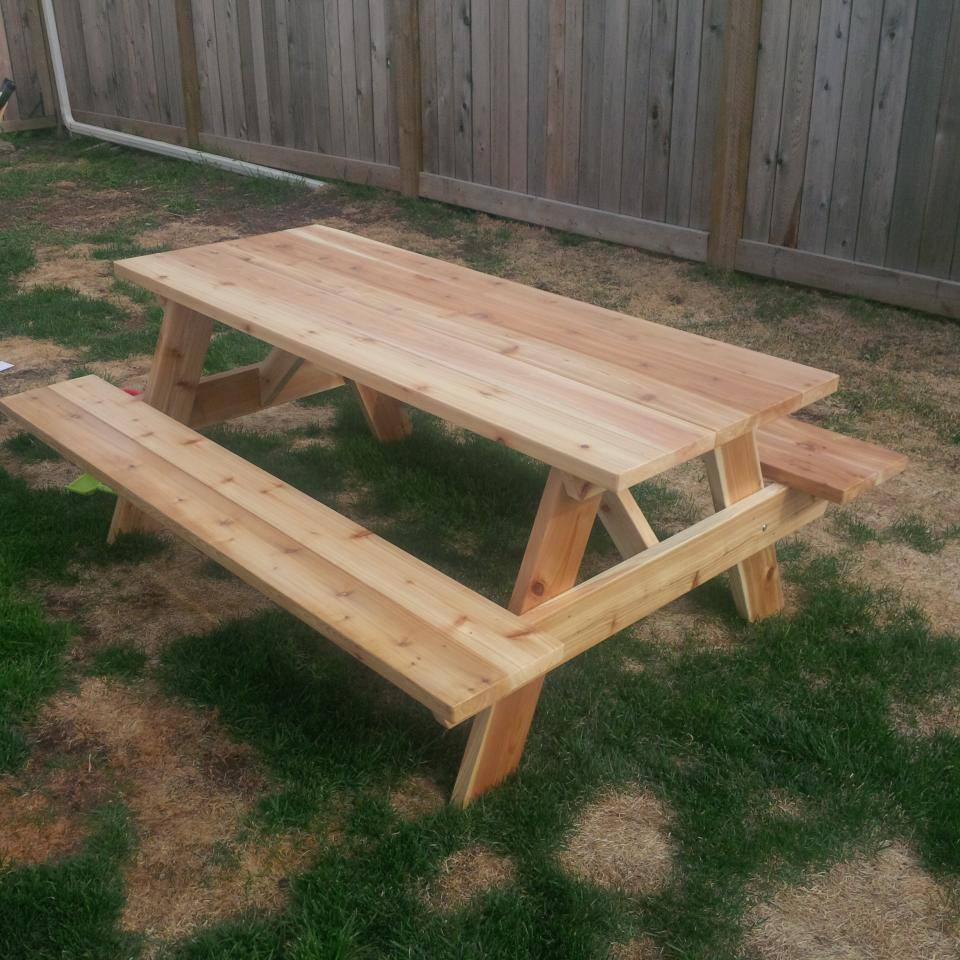 Picnic Table Forest Trek Woodwork - Spruce picnic table